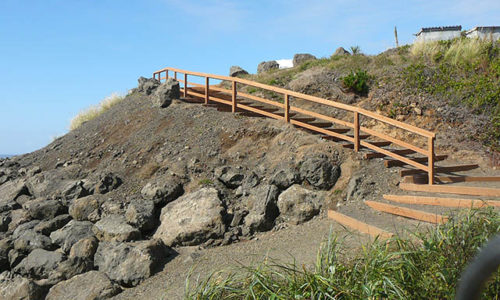 gallery-stairs-to-the-beach
